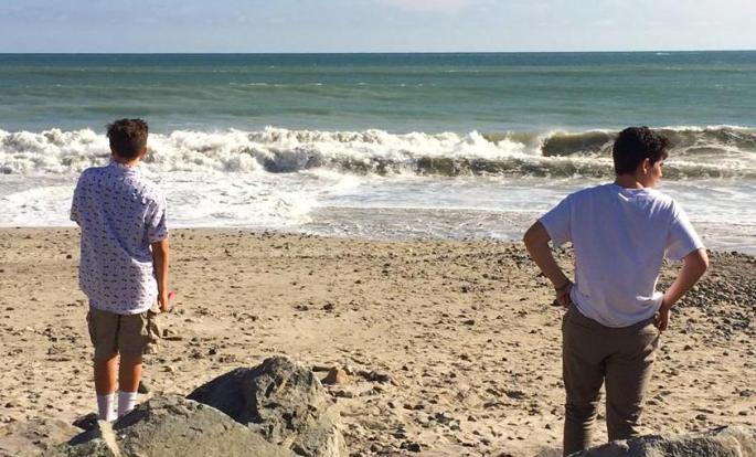 boys-and-beach